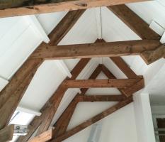 Oude balken schrootjes plafonds spuiten